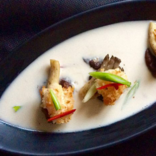 Crispy-Coconut-prawns-in-hot-and-sour-soup