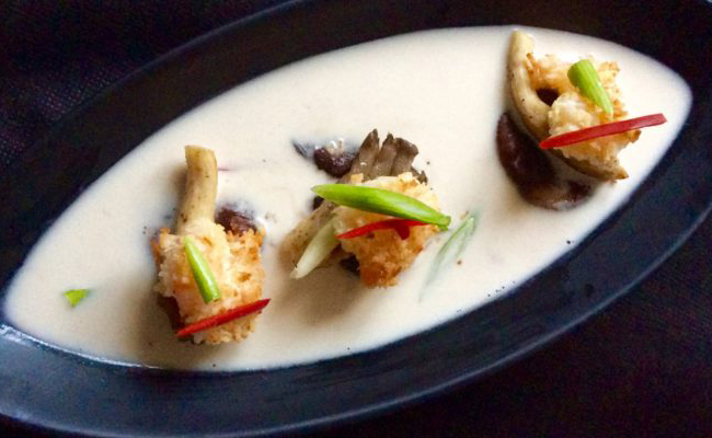 crispy-coconut-prawns-in-hot-and-sour-soup-02