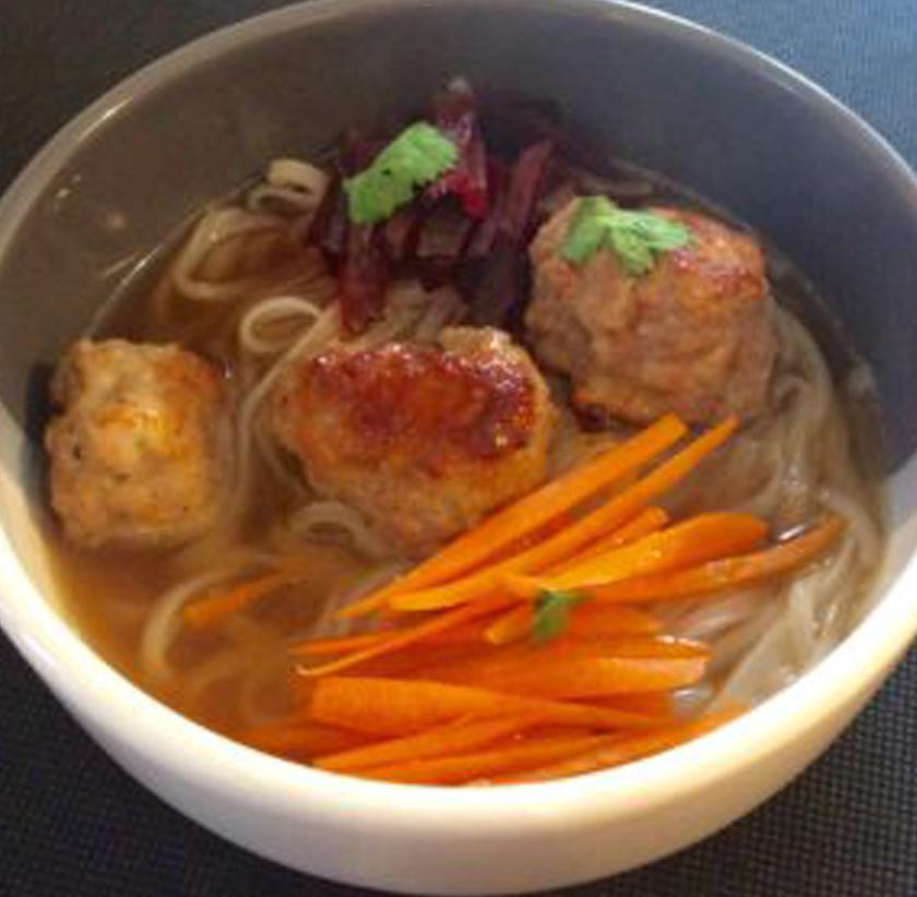 pork-and-prawn-dumpling-noodles-soup-01