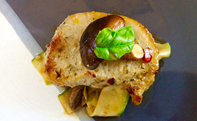 pork-steak-in-thai-basil-and-chilli-sauce-02