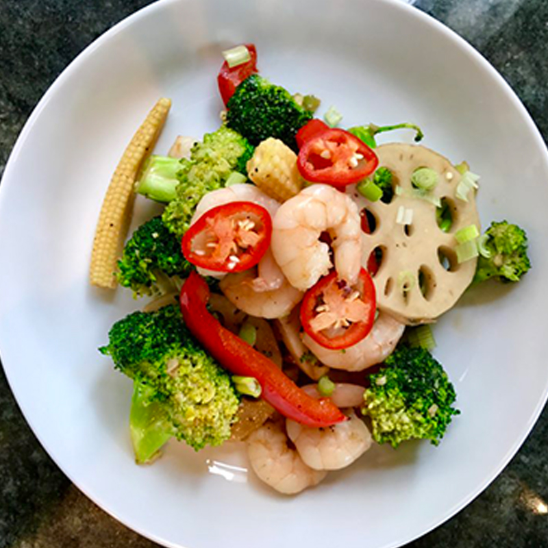 stir-fried-in-oyster-sauce-prawns-broccoli-and-lotus-root-02