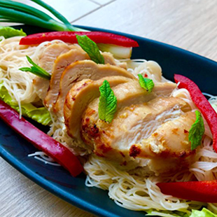 warm-chicken-salad-with-sweet-and-salty-rice-vermicelli